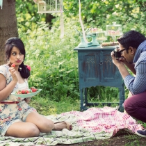 sav-lavinia-vintage-style-engagement-shoot_017